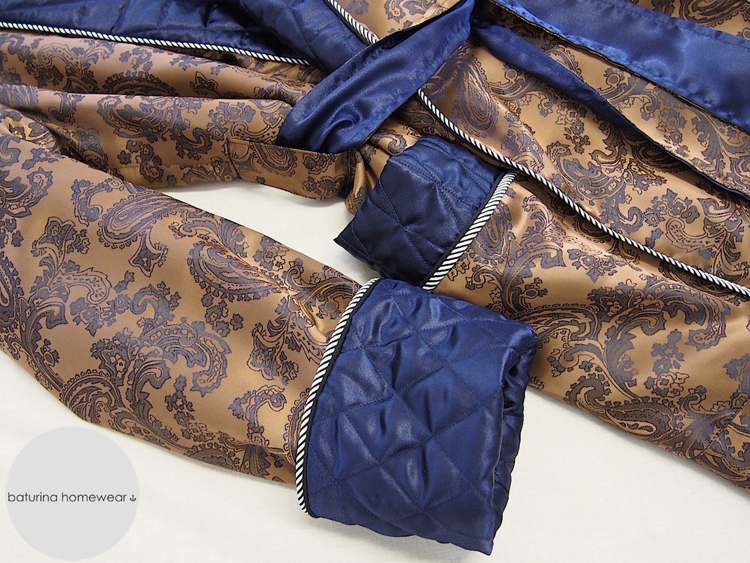 Classic gold paisley silk dressing gown with navy blue quilted collar for men